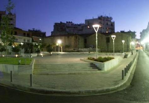 Ανεξέλεγκτη δράση ομάδας νεαρών στην πλατεία Δημάδη.Φοβισμένοι επαγγελματίες και κάτοικοι ζητούν μέτρα από αστυνομία και  Δήμο