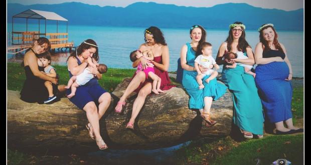 Μητέρες φωτογραφήθηκαν να θηλάζουν στην Τριχωνίδα,για το Ημερολόγιο Θηλασμού – Εγκυμοσύνης του  2017