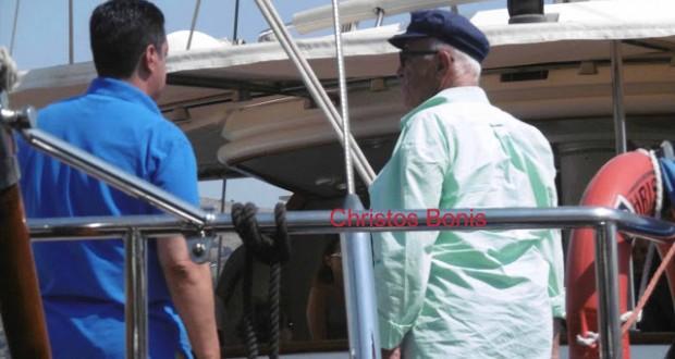 Ο εφοπλιστής Παναγιώτης Τσάκος με το πολυτελές σκάφος του, κατέπλευσε στον Αστακό (ΦΩΤΟ: Χρήστος Μπόνης)