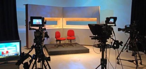Εννέα οι διεκδικητές για τις τηλεοπτικές άδειες – Οριστικά εκτός το Mega