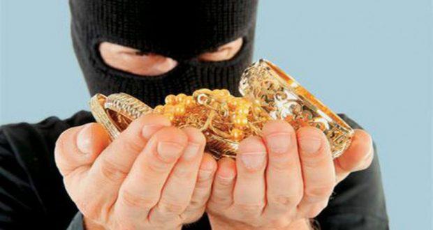 Νεάπολη Αγρινίου: Αφαίρεσαν κουμπαρά με χρήματα και κοσμήματα από σπίτι 53χρονου