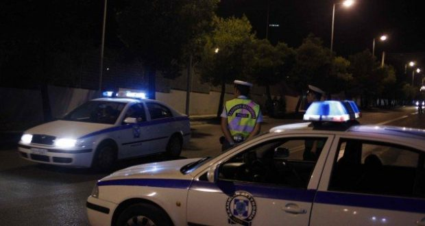 Πάτρα: Κυνηγητό στο λιμάνι – Μετανάστες προσπαθούσαν να κρυφτούν σε αυτοκίνητο για να περάσουν στην Ιταλία (Βίντεο)