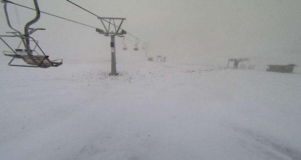 Χιονίζει στα Καλάβρυτα (Φωτογραφίες)