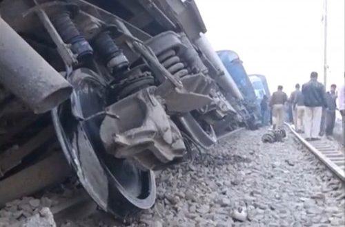 Περισσότεροι από 90 νεκροί από εκτροχιασμό τραίνου στην Ινδία (Φωτογραφίες – Βίντεο)