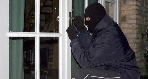 Αγρίνιο: Ανήλικη ανάμεσά στους διαρρήκτες που «τσίμπησε» η ΕΛ.ΑΣ.