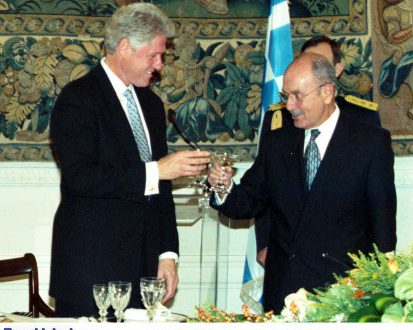 Κωστής Στεφανόπουλος: Η συγκλονιστική ομιλία ενώπιον του Μπιλ Κλίντον (Φωτογραφίες – Βίντεο)