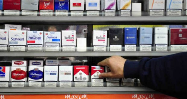 Αύξηση 50 λεπτά στα τσιγάρα – Καταστροφικός ο νέος φόρος για τα περίπτερα