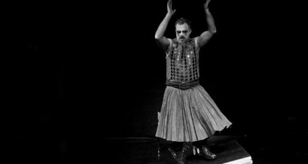 Στο ΔΗ.ΠΕ.ΘΕ Αγρινίου στις 03 Δεκεμβρίου «Ο Ληστής» με πρωταγωνιστή τον Πασχάλη Τσαρούχα