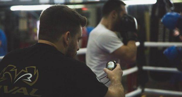 Ο προπονητής πυγμαχίας, Δημήτρης Ευαγγελίου του Α.Σ.Π. Πυθαγόρα/Unbroken Boxing μιλά στο AgrinioTimes.gr