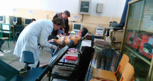 Εθελοντική αιμοδοσία στο 1ο Δημοτικό Σχολείο Αγρινίου (Φωτογραφίες)