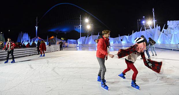 Στήνεται το παγοδρόμιο στην Κεντρική Πλατεία της Λευκάδας