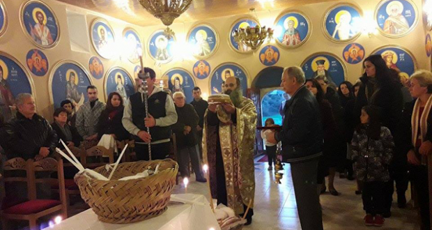 Ο εσπερινός στο γραφικό εκκλησάκι Άγιος Νικόλαος Τσουγκριάς Παλιαμπέλων