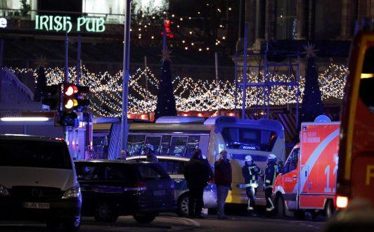 Τρομοκρατική επίθεση σε χριστουγεννιάτικη αγορά στο Βερολίνο! Τουλάχιστον 9 νεκροί και 50 τραυματίες