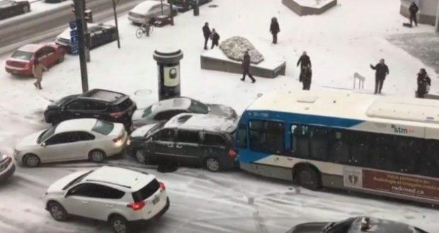 Απίστευτη καραμπόλα λόγω πάγου (Βίντεο)
