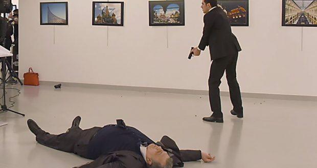 Δολοφόνησαν εν ψυχρώ τον Ρώσο πρέσβη στην Άγκυρα