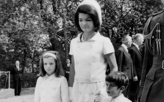Η Τζάκι ήθελε να αυτοκτονήσει μετά τη δολοφονία του Τζον Κένεντι
