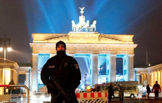 Πρωτοχρονιά 2017: Στρατοκρατούμενες πρωτεύουσες! Χιλιάδες πάνοπλοι αστυνομικοί στους δρόμους (Φωτογραφίες)
