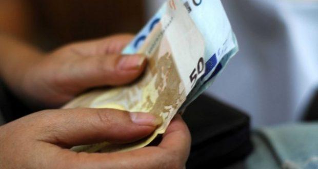 Μείωση του αφορολόγητου στις 5.900 ευρώ;