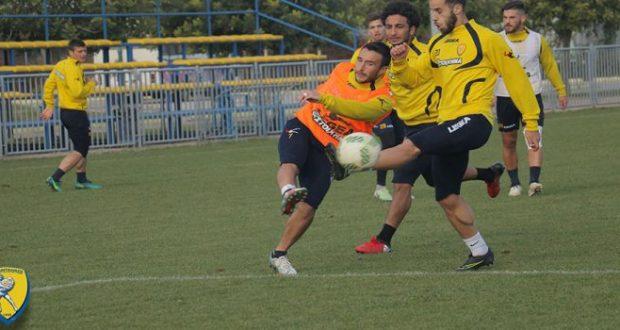 Με 19 παίχτες στη Τρίπολη ο Παναιτωλικός
