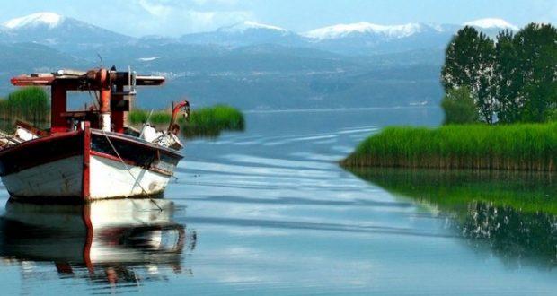 Λίμνη Τριχωνίδα: Είναι η μεγαλύτερη λίμνη στην Ελλάδα, κι όμως παραμένει άγνωστη στον περισσότερο κόσμο