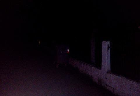 Η Διασταύρωση του δρόμου Βόνιτσας-Αμφιλοχίας προς ΘΥΡΡΕΙΟ στο… απόλυτο σκοτάδι!