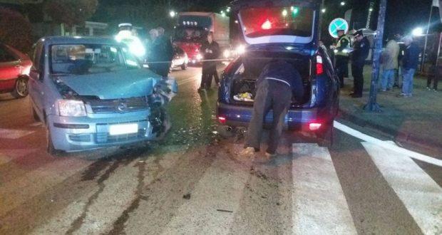 Αγρίνιο: Σφοδρή σύγκρουση οχημάτων στο Πλατανάκι, με τραυματισμό (Φωτογραφίες)