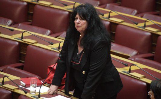 Βουλή: Η Ερώτηση για τα αποτεφρωτήρια και το ξέσπασμα της Άννας Βαγενά