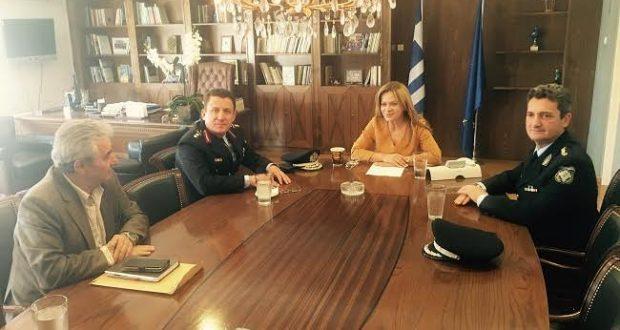 Εθιμοτυπική συνάντηση Χρ. Σταρακά με τον Αδ. Μητρόπουλο και τον Αν. Τσαπικούνη