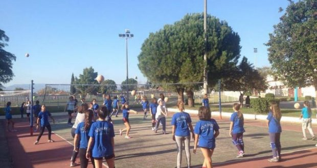 Ο Π.Α.Σ. Ιωνικός '80 μαθαίνει βόλεϊ στα σχολεία