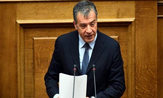 Θεοδωράκης: Η κυβέρνηση καθυστέρησε να κλείσει την αξιολόγηση επί 7 μήνες και η οικονομία έχασε τουλάχιστον 1% του ΑΕΠ