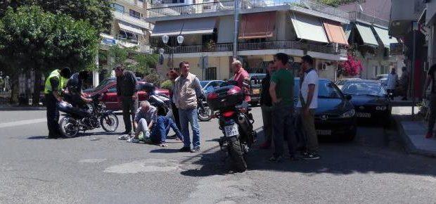 Αγρίνιο: Σύγκρουση στα «Τρία Φανάρια» – Στο νοσοκομείο νεαρός δικυκλιστής (Φωτογραφίες)