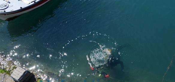 Αυτοψία για τις σπηλαιώσεις στο λιμάνι της Ναυπάκτου (Φωτογραφίες – Βίντεο)