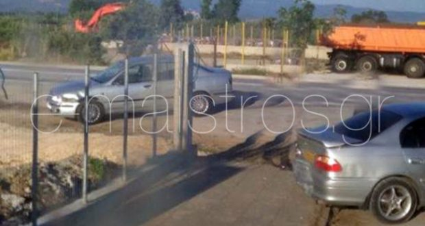 Αμφιλοχία: Αυτοκίνητο Ι.Χ. εμβόλισε ΤΑΞΙ που μετέφερε μαθητές στο Λουτρό