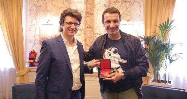 Παρουσία ΓΓΔΒΜΝΓ, Παυσανία Παπαγεωργίου, στη 18η Biennale Νέων Δημιουργών στα Τίρανα