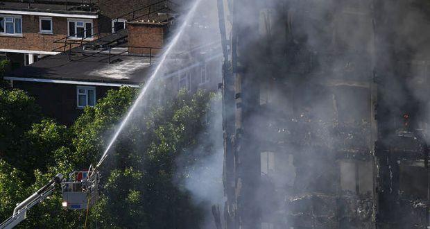 Λονδίνο: Τουλάχιστον έξι νεκροί από την πυρκαγιά στο Grenfell Tower (Βίντεο)