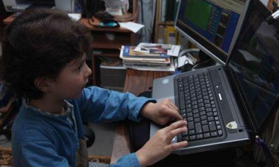 Ερευνήτρια σε θέματα διαδικτυακής ασφάλειας βοηθά παιδιά να αποφύγουν το hacking