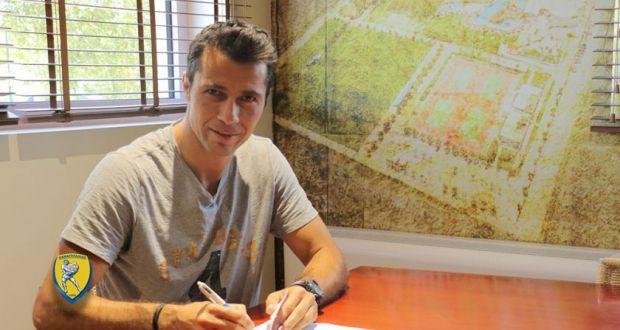 Επέστρεψε, υπογράφοντας συμβόλαιο ενός έτους, ο Τσέναμο στον Παναιτωλικό