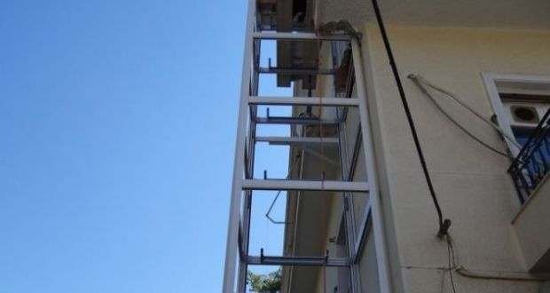Φωκίδα: Ζευγάρι ηλικιωμένων βρήκε τραγικό θάνατο μετά από πτώση εξωτερικού ασανσέρ