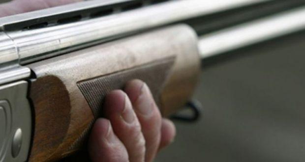 Μεσολόγγι: Σύλληψη για παράνομη οπλοκατοχή – Κατασχέθηκαν, κυνηγετικό όπλο, ξίφος, ξιφίδια και μαχαίρια