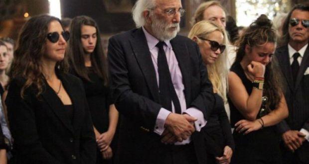 «Αντίο άγγελέ μου»: Ο σπαρακτικός επικήδειος του Αλέξανδρου Λυκουρέζου για τη Ζωή (του) (Βίντεο)