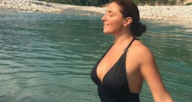 Η Έλενα Παπαρίζου και οι… βουτιές στον Αχελώο! (Φωτογραφίες – Βίντεο)