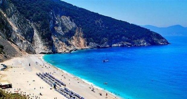 «Βουλιάζουν» τα νησιά του Ιονίου – Αισθητή η αύξηση τουριστών