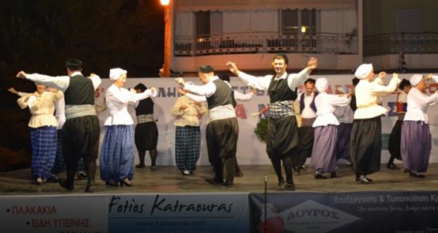 Με μεγάλη επιτυχία το 5ο Πανελλήνιο Φεστιβάλ παραδοσιακών χορών στο Λυγιά (Βίντεο)