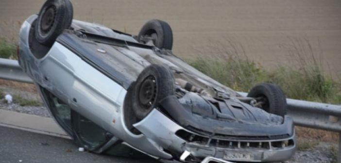 Αποτέλεσμα εικόνας για Ανατροπή αυτοκινήτου στη Βόνιτσα – Στο Νοσοκομείο η 58χρονη οδηγός του!