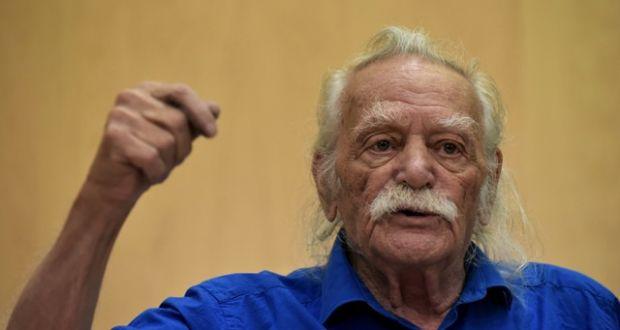 Ο Μανώλης Γλέζος στο Αγρίνιο  για την απελευθέρωση της πόλης από τους Γερμανούς