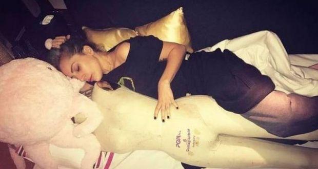 H Lady Gaga «παγώνει» τις υποχρεώσεις της για να «θεραπευτεί»