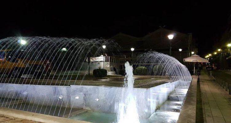 Αγρίνιο: Αλλάζει η όψη η πλατεία Δημάδη (Φωτογραφίες)
