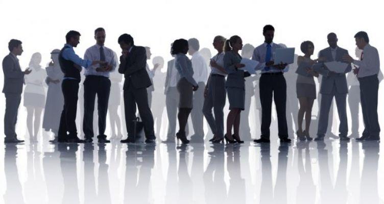 Νέα «πακέτα» με χιλιάδες προσλήψεις μόνιμων & εποχικών υπαλλήλων