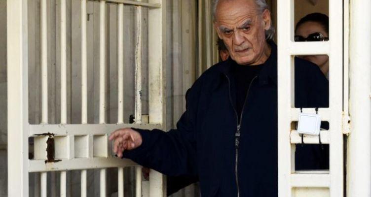 Άκης Τσοχατζόπουλος: Νοσηλεύεται σε σοβαρή κατάσταση – Ελέγχεται και για κορωνοϊό