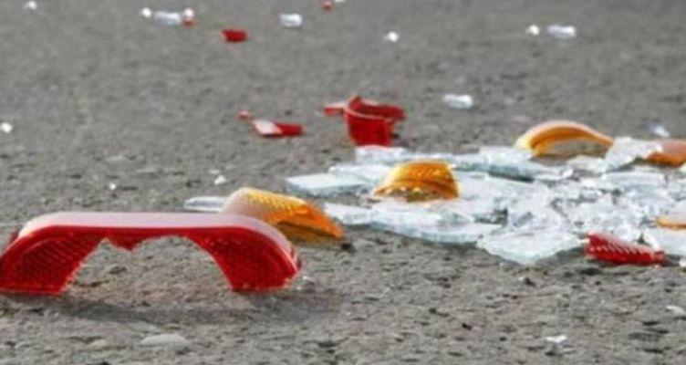 Αγρίνιο: Σφοδρή σύγκρουση αυτοκινήτων – Το ένα «προσγειώθηκε» στο πεζοδρόμιο (Φωτό)